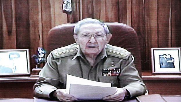 Raúl Castro durante su mensaje en la televisión cubana. (EFE)