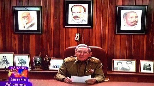 Raúl Castro frente a la televisión nacional