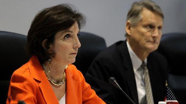 Roberta Jacobson en el palacio de Congresos de La Habana durante la reunión con Cuba. (Alejandro Ernesto/EFE)
