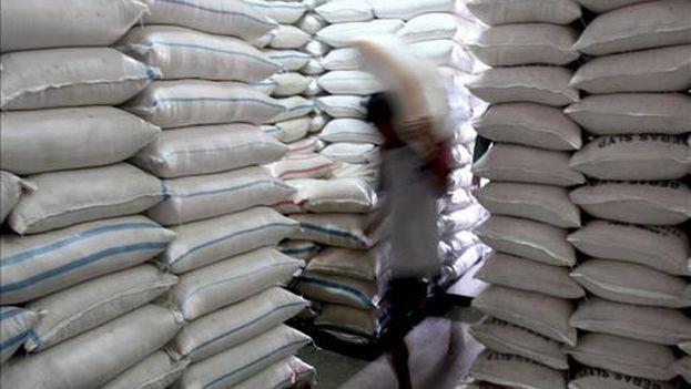 Sacos de arroz. (EFE)