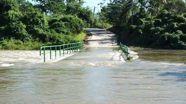La crecida del río Sagua comenzó gradualmente pasada la medianoche de este domingo a consecuencia de las fuertes precipitaciones de las zonas montañosas. (Cubadebate)