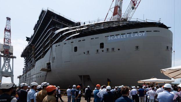 """El navió """"Scarlet Lady"""" se construye en un astillero italiano y tendrá capacidad para 2.700 pasajeros y 1.150 tripulantes, y se convertirá en el 2020 en la embarcación más grande en recalar en la capital cubana. (Virgin Voyages)"""