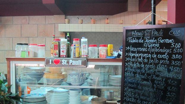 El bar restaurante St. Pauli en Santiago de Cuba. (14ymedio)