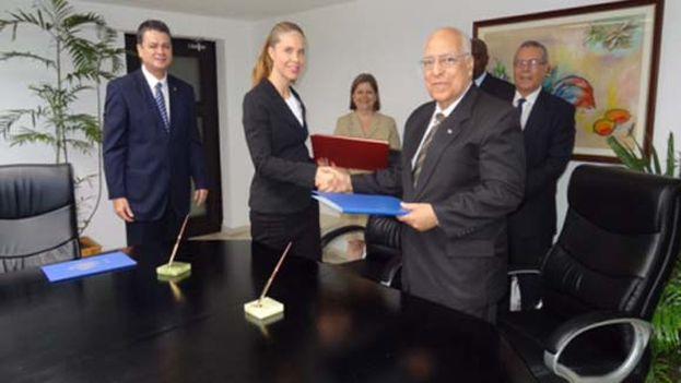 Suecia y Cuba firmaron el acuerdo de regularización de la deuda cubana con el país nórdico. (Embajada de Suecia)