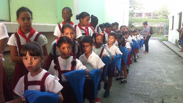 Uniformes escolares. (Luz Escobar/ 14ymedio)