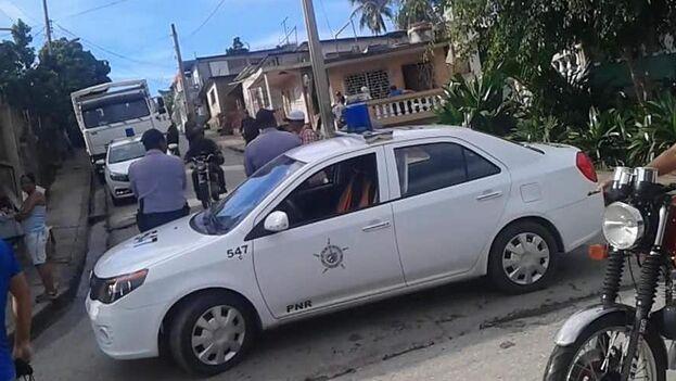 El mes de septiembre de este año se saldó con 481 arrestos arbitrarios, sobre todo en La Habana, Santiago de Cuba y Villa Clara. (Twitter/Carlos Amel)