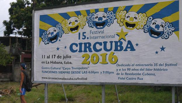 Valla que anuncia una nueva temporada del Circo Nacional dedicada al 90 cumpleaños de Fidel Castro. (14ymedio)