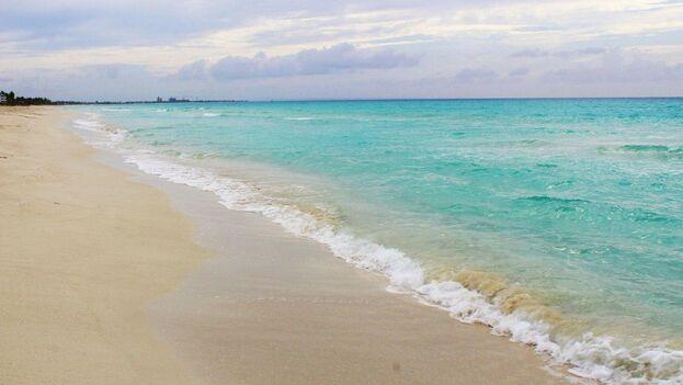 En la playa de Varadero se percibe un ambiente desolador y de tristeza, un silencio que nunca habíamos vivido en este lugar tan bullicioso. (Roma Díaz)