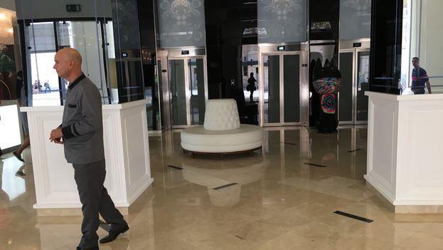 Vista del 'lobby' del Gran Hotel Manzana Kempinski La Habana. (14ymedio)
