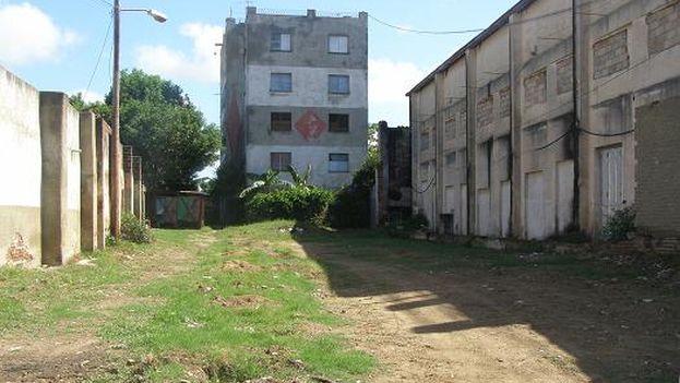 Vista del edificio y área deshabitada. (Pedro Amado Junco)