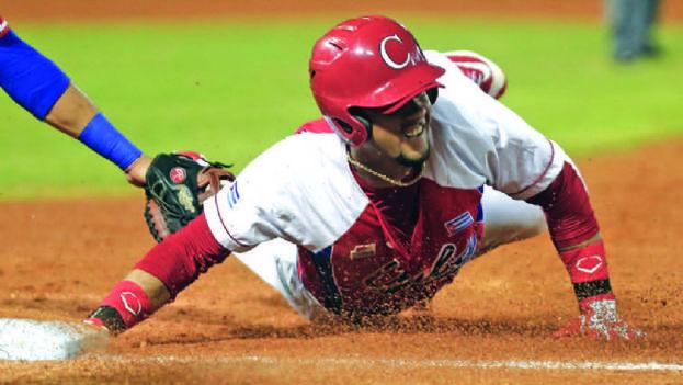 Los Astros contratan al cubano Gurriel