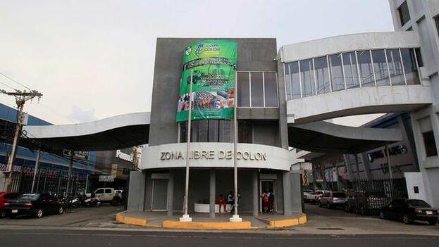 La administración de la Zona Libre Colón informó que el 40,1% de los 57.121 turistas de compras que ingresaron al emporio entre enero y julio pasado eran cubanos. (EFE)