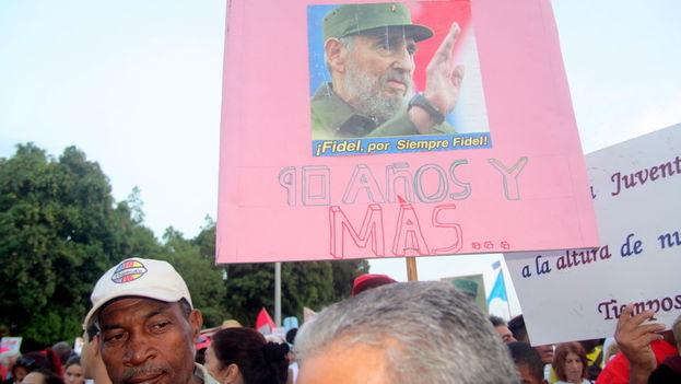 Las alusiones al 90 cumpleaños del expresidente Fidel Castro, también marcaron la jornada. (14ymedio)