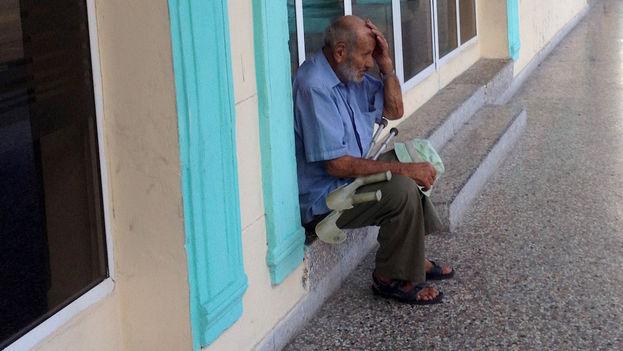 anciano, tercera edad. (14ymedio/Luz Escobar)
