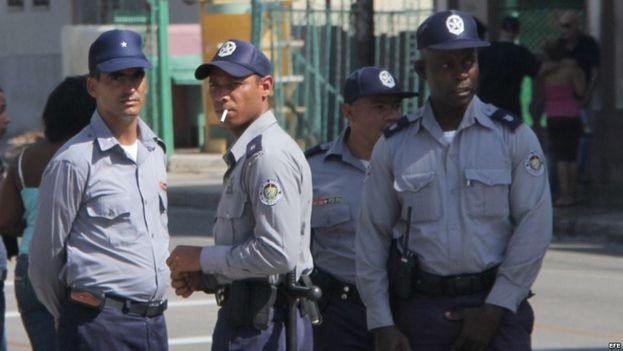 La policía aumentará la vigilancia en las zonas más turísticas por el momento, pero la periferia sigue olvidada. (EFE/Archivo)