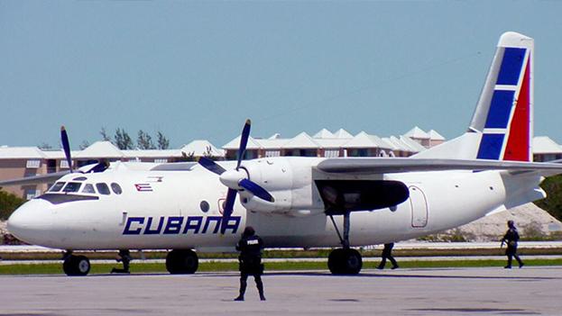 Un avión de Cubana de Aviación de fabricación rusa. (EFE)