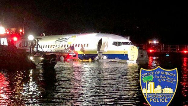 Un avión que viajaba desde Cuba cae a un río en Florida. (Twitter)