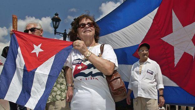 Se calcula que en la primera década del castrismo llegaron a Miami más de 400.000 cubanos. (EFE)