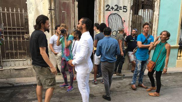 """Otero Alcántara aprovechó la ceremonia para anunciar que los preparativos para la Bienal se encuentran entre """"un 60 y un 70% de realización"""". (14ymedio)"""