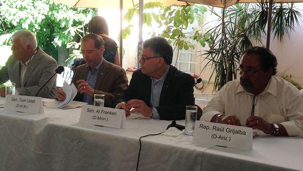 Los congresistas estadounidenses en la rueda de prensa de este miércoles en La Habana. (Reinaldo Escobar/14ymedio)
