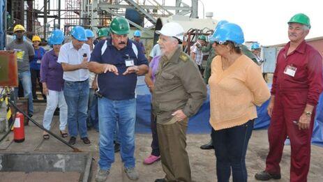 Como otras tantas obras, la construcción de la central nuclear era supervisada por Ramiro Valdés. (5 de Septiembre)