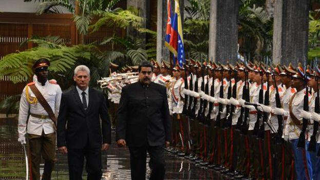 Dos días después de convertirse en el nuevo presidente de la isla, recibir a Nicolás Maduro ha sido el primer acto oficial de Díaz-Canel. (ACN)