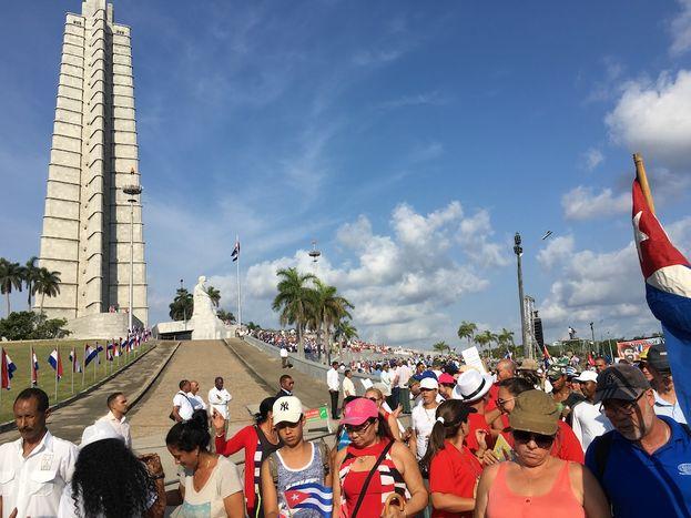 Con una coyuntura económica compleja, miles de trabajadores se preguntan qué les deparará el destino con el nuevo Gobierno de Díaz-Canel. (14ymedio)