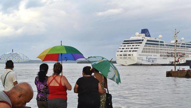 El crucero Adonia en Cienfuegos. (Facebook)