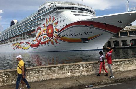 Un crucero a su llegada al puerto de La Habana. (14ymedio)
