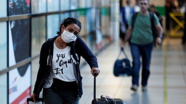 Los residentes que arriben al país a partir de ese momento deberán mantener dos semanas de cuarentena obligatoria en instalaciones sanitarias. (EFE)
