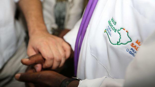 Los médicos cubanos que han decidido quedarse en Brasil están siendo ayudados por la Orden de Abogados de ese país. (O Tempo)