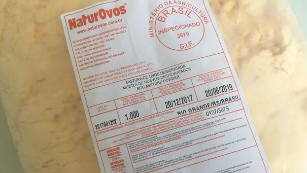 El huevo deshidratado, procedente de Brasil, está siendo de gran ayuda para los negocios de venta de dulces. (14ymedio)
