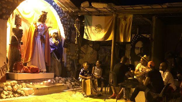 La víspera del 4 de diciembre, muchos cubanos recordaron al orisha Shangó o su imagen católica Santa Bárbara. (14ymedio)