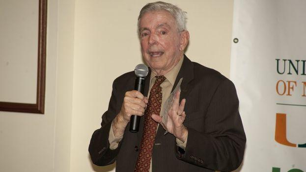El economista cubanoamericano Jorge Salazar-Carrillo. (YouTube)
