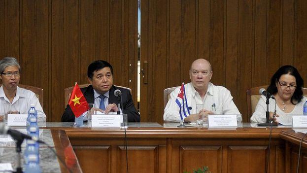 Los empresarios vietnamitas han explorado la posibilidad de construir un hotel en La Habana y participar en el programa de energías renovables de la Isla