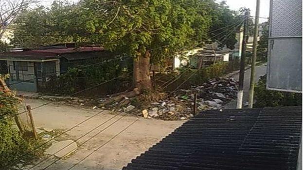 La esquina 42 de la avenida 97 del reparto La Granada, en el municipio Cotorro, La Habana. (14ymedio)
