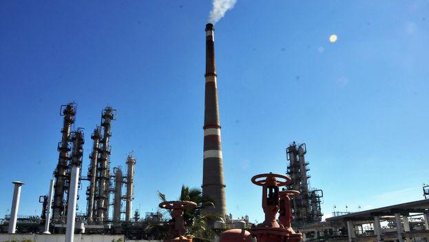 En la imagen, la refinería de Cienfuegos. (5 de Septiembre)