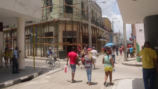 A un año de concluir las labores de restauración por el medio milenio de la fundación de la villa, las más importantes calles de Camagüey vuelven a entrar en labores constructivas. (14ymedio)