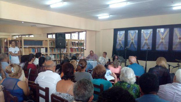 En la localidad de Bauta se hizo una pausa para recordar a los integrantes del grupo Orígenes. (14ymedio)