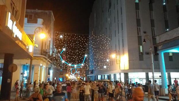 Las luminarias son un regalo de la ciudad italiana de Turín a la capital cubana. (Yandry Fernández/Facebook)