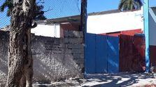 Algunos rastros de venta de materiales de la construcción están cerrados al público, como el de La Timba, y solo están atendiendo a damnificados. (14ymedio)