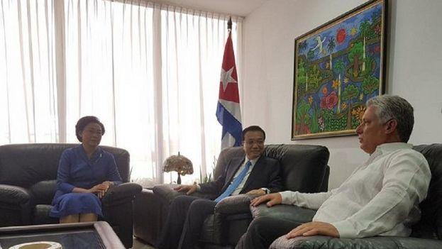 El primero ministro chino visita Cuba pisándole los talones a su par japonés. (CC)