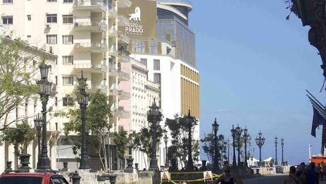Este noviembre será inaugurado el hotel Paseo del Prado, en la esquina en que esa avenida se une al Malecón. (14ymedio)