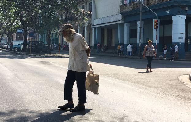 Casi un 20% de la población cubana es mayor de 60 años, y la tasa de fecundidad del país es de 1,7 hijos por mujer. (14ymedio)