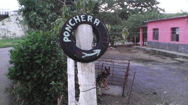La entrada a la ponchera de Julito cuando aún funcionaba. (Jorge Guillén)