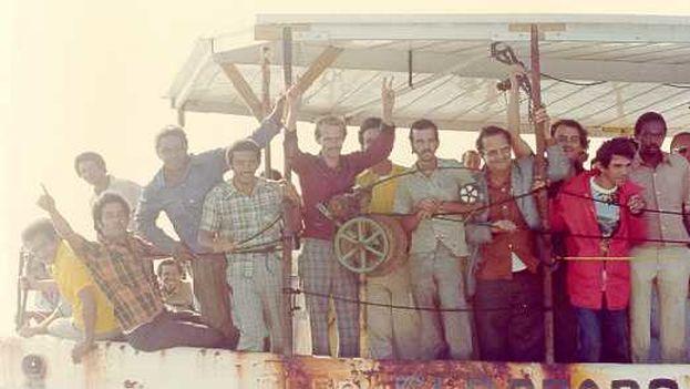 En las semanas posteriores y a raíz de los sucesos de la Embajada del Perú, más de 125 mil cubanos salieron por el puerto del Mariel, una cifra muy superior al éxodo de Camarioca en 1965, cuando se marcharon de la isla más de 30 mil ciudadanos