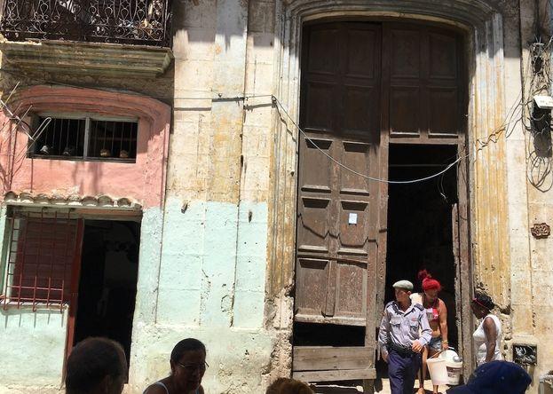 La situación de la vivienda en Cuba es uno de los mayores problemas del país. (14ymedio)