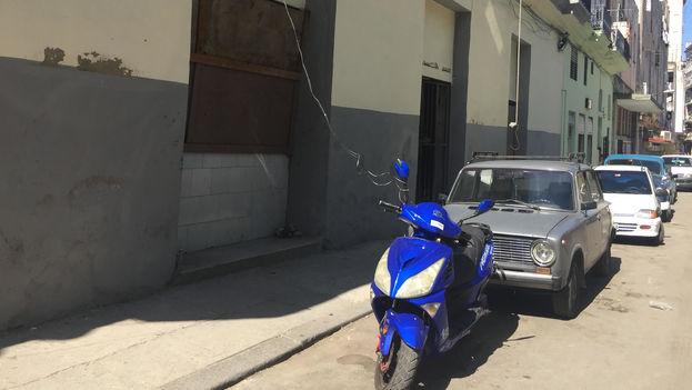 El número de propietarios de motos eléctricas ha crecido en Cuba desde que el Gobierno de Raúl Castro autorizara su importación. (14ymedio)