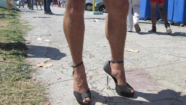 Un travesti cubano marcha por el respeto a su condición (14ymedio)