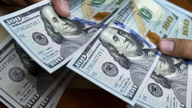 Dólares. (Cubadebate)